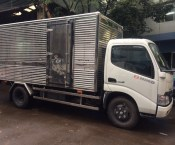 Xe tai hino series 300 thung kin co bung nang ha
